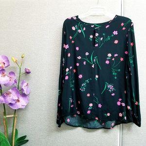 GAP black floral long sleeved blouse